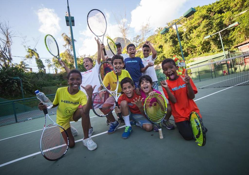 """Résultat de recherche d'images pour """"tennis favela"""""""